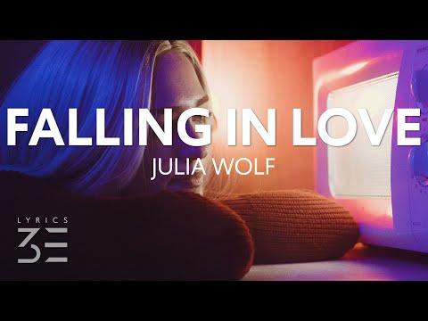 Falling in love - Julia Wolf